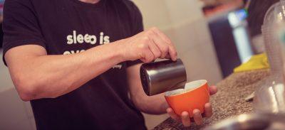 afbeelding_koffie-inschenken